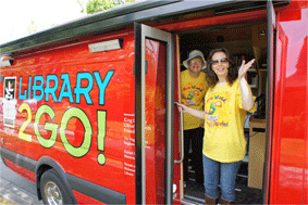Library2Go! van and staff